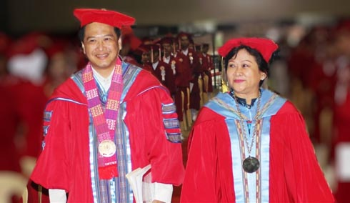 WMSU President, Dr. Milabel Enriquez-Ho with the guest speaker - Hon. Lorenzo R. Tañada III