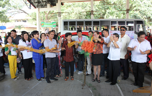 Dr. Milabel Enriquez-Ho, WMSU President did the symbolic cutting of ribbon with other WMSU officials and guests.