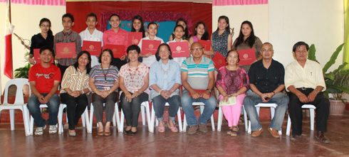 The presenters posed with the WMSU officials present in the event: (seated, third from left) Prof. Eulyn H. Tangalin, Dr. Julieta B. Tendero, Dr. Chona Q. Sarmiento and the faculty of CFES and CAgri.