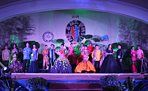 The candidates in their Filipiniana and Barong.