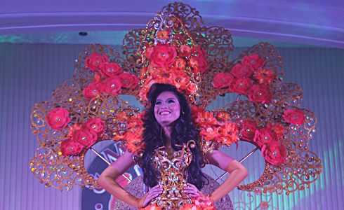 Helen C. Montallana, Ms. WMSU 2014 in her flora attire during the production number.