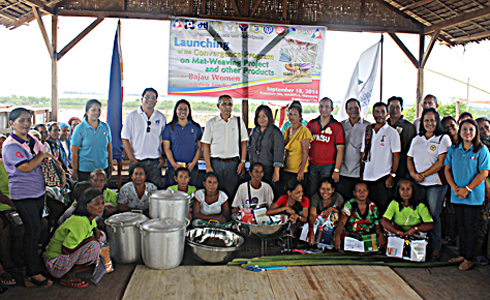 Partners from the local government units with the Badjao trainees.